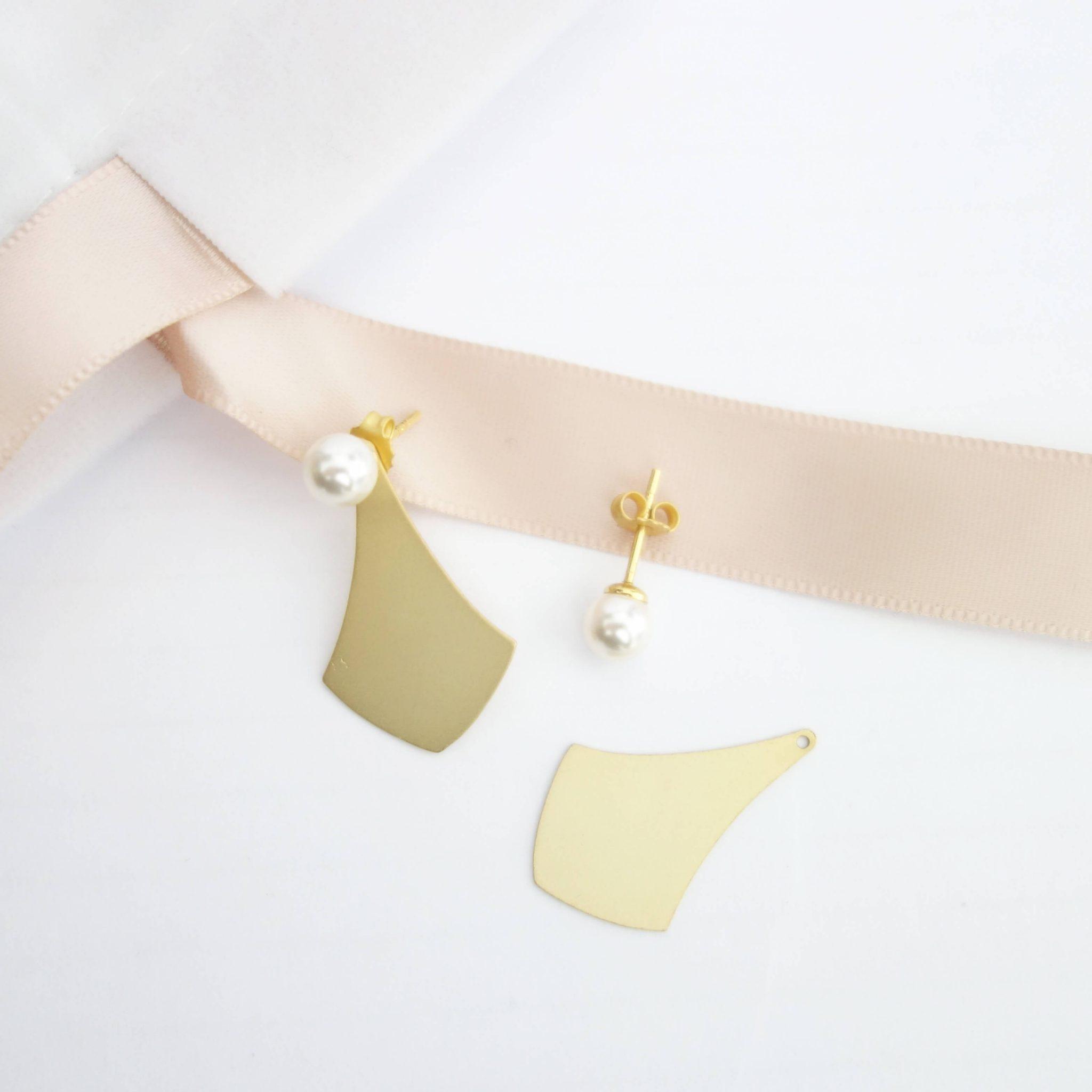 Boucles d'oreilles dorées à l'or fin