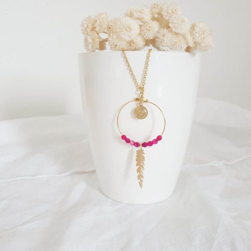 Sautoir plume rose